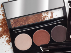 Lasting Colour Matte Eyeshadow Trio – Bare Essentials